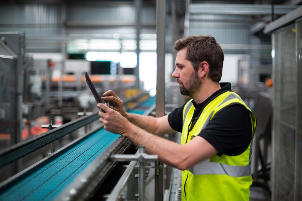 Using-ERP-Software-In-The-Manufacturing-Line